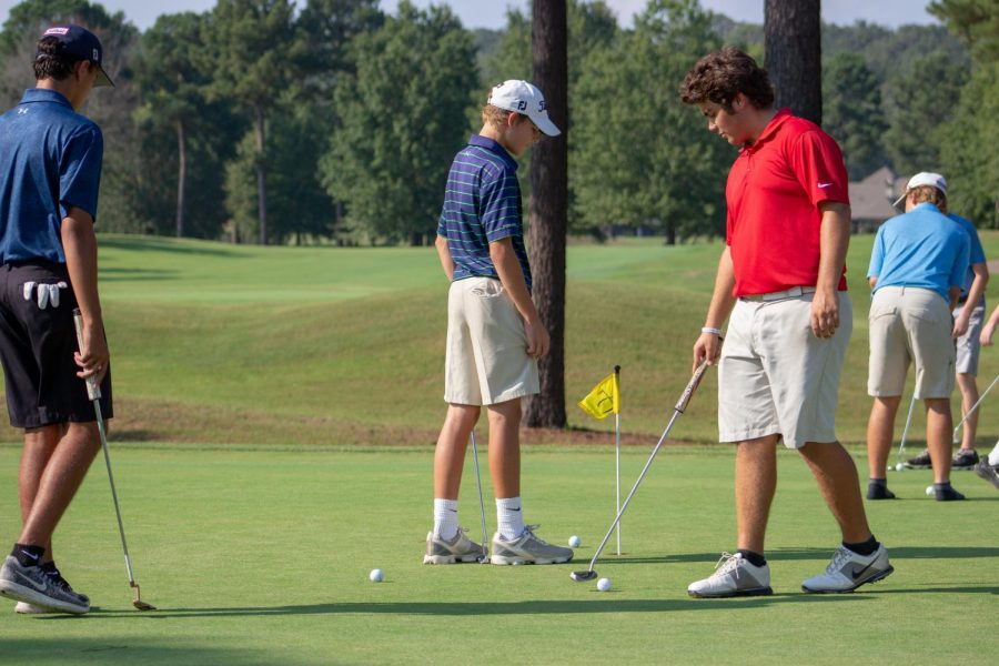 Wampus Cat Golf Finishes Strong During Rebuilding Year