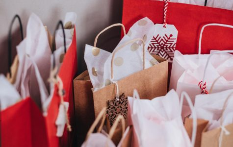 How Holiday Shopping Affects the Economy